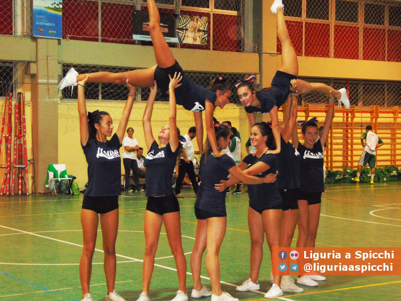 Cheerleaders all'intervallo © LIGURIA A SPICCHI